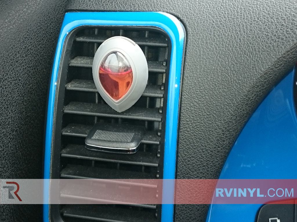 Gloss Blue Dash Kit - 2008 Nissan Altima Coupe - Extrem Close-Up Driver Side Vent