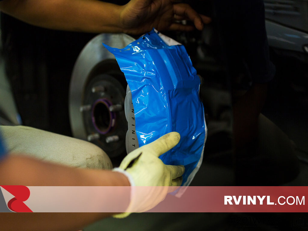 Wrapping a Caliper with 3M™ 680 Blue Reflective Vinyl