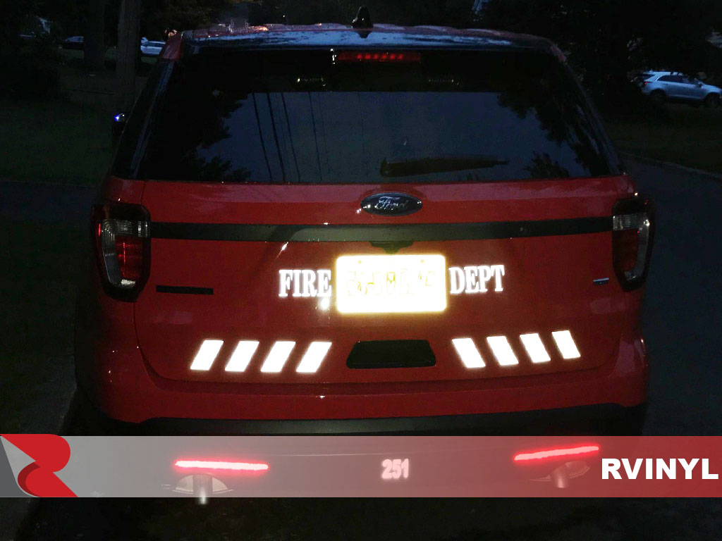 3M™ 680 Black Reflective Emergency Vehicle Decals at Night