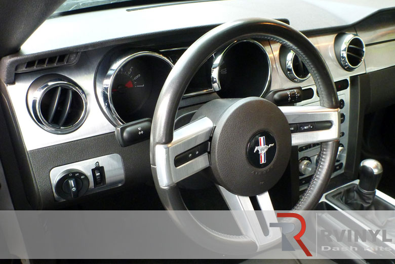 Ford Mustang 2005 Dash Kit