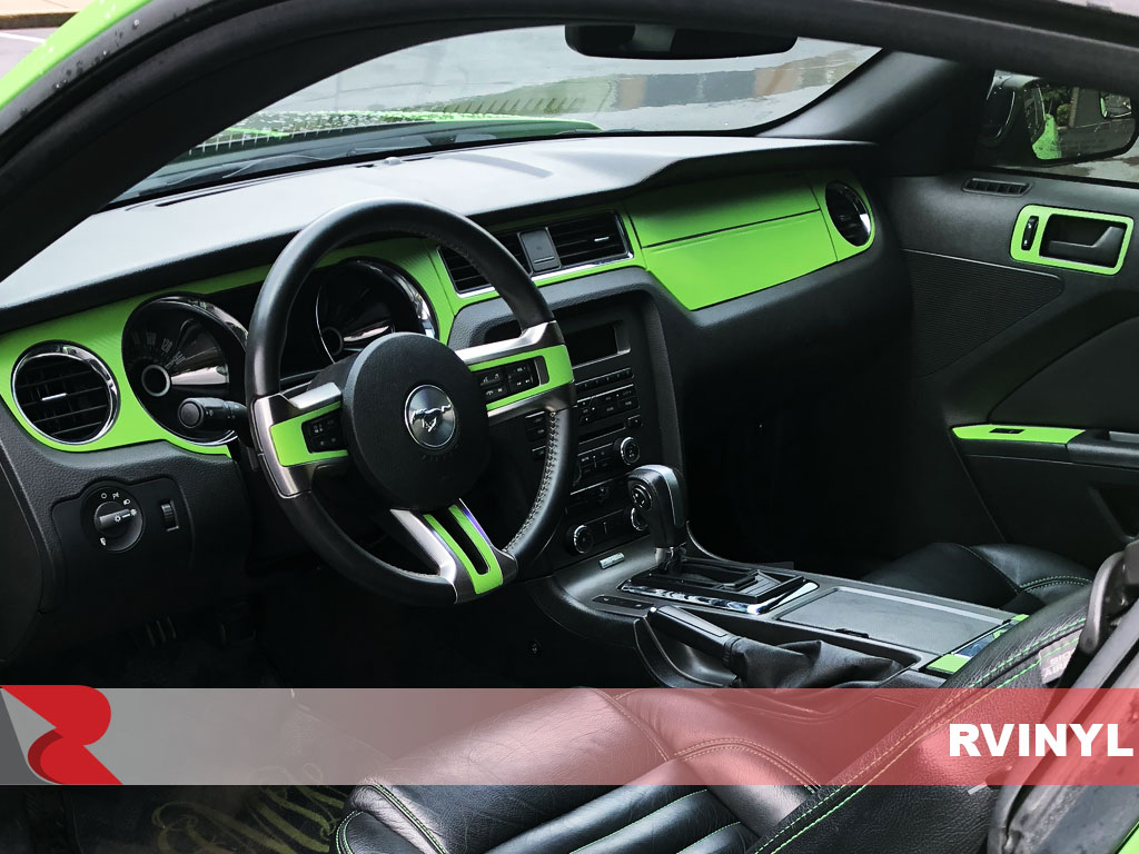 Rdash 2013 Ford Mustang with Green 3D Carbon Fiber