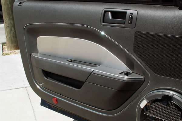 american car craft ford mustang 2005 2009 brushed door panel kit. Black Bedroom Furniture Sets. Home Design Ideas